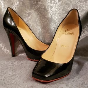 Christian Louboutin Simple Black Pumps